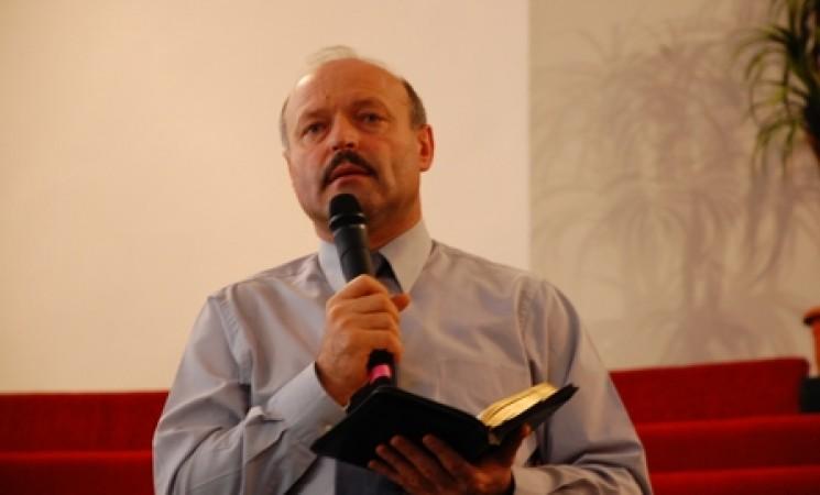"""""""Biblia ne-a fost dată nu pentru a ne informa, ci pentru a ne transforma"""""""