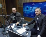 """DESPRE Formarea majorităţii parlamentare în emisiunea """"Loc de dialog"""" la Radio Moldova"""