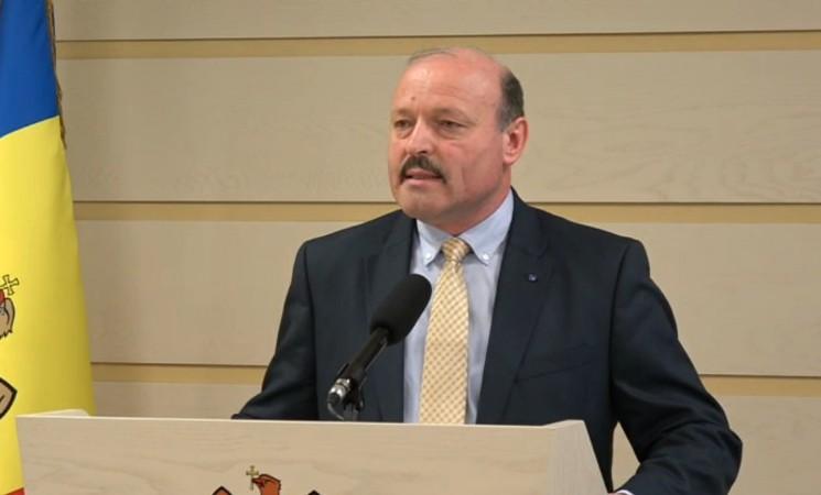 Conferinţa de Presă pe marginea Proiectului de Lege privind limitarea panourilor publicitare în campaniile electorale