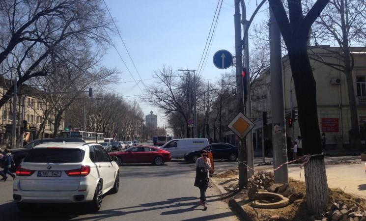 Intrebare pentru Dl Jizdan privind semafoarele din Chişinău