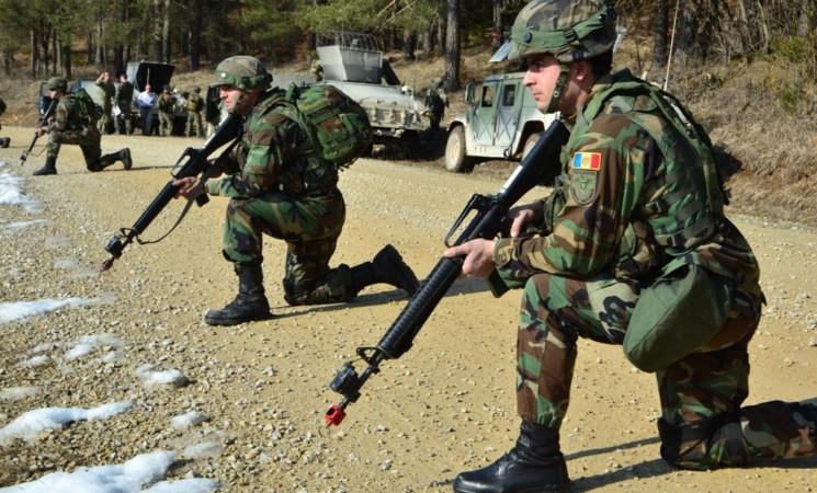 """INTERVIU Despre enoriaşi şi preoţi în armată la """"Pur şi Simplu"""""""