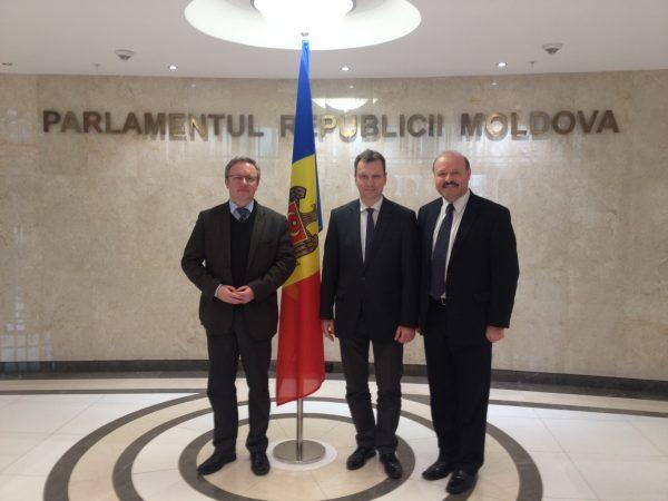 Planuri de viitor pe agenda Moldova – Polonia: Cursă aeriană Chișinău – Varșovia din 2014