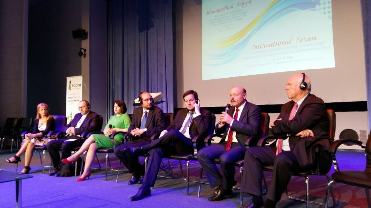 Politicul şi promotorii valorilor morale şi-au dat întâlnire la Forumul Internațional de la Kiev