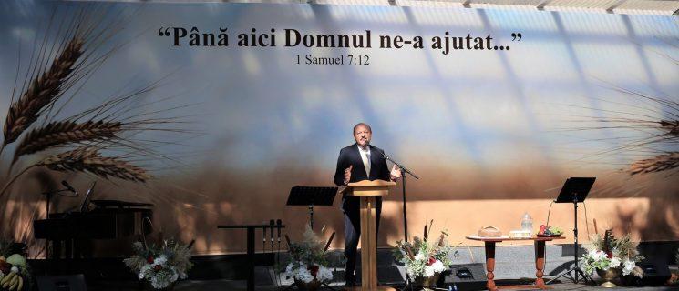 """ATRIBUTELE lui DUMNEZEU: """"Dumnezeu iubește dreptatea"""""""